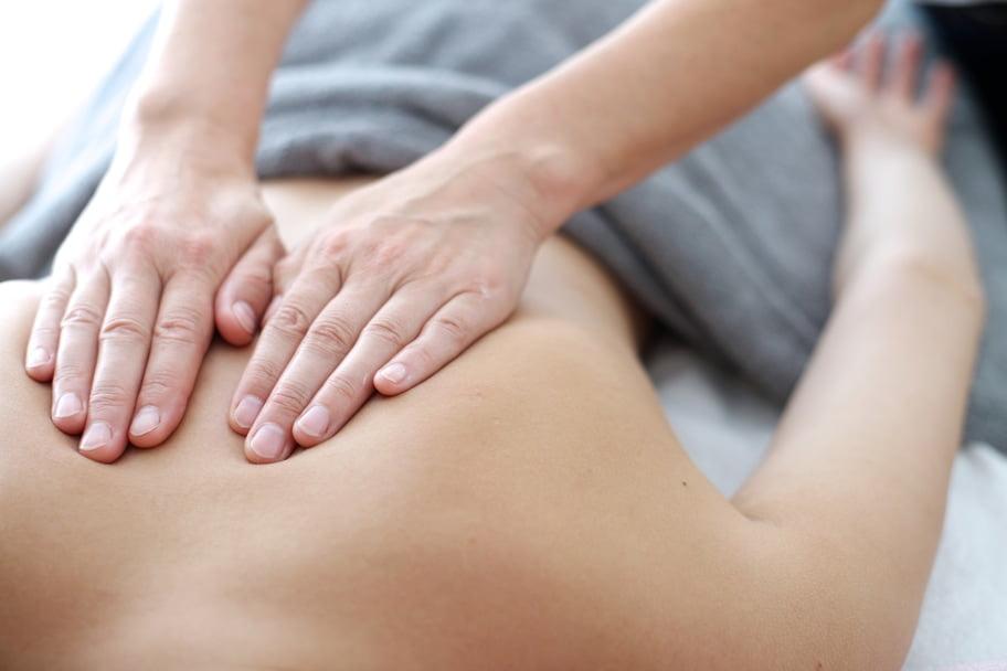 Procedūros ir kainos, gydomasis nugaros masažas, sauso vertikalaus tempimo procedūra, elektrostimuliacijos procedūra