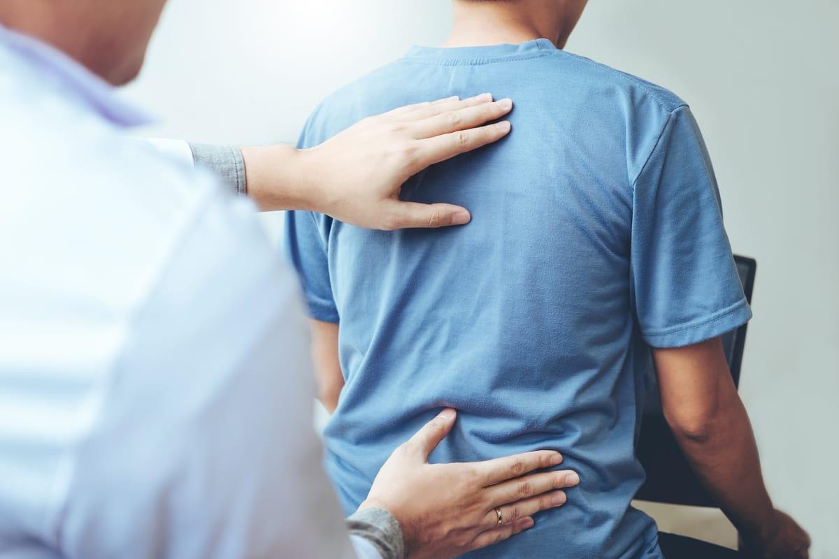 Stuburo išvarža, stuburo slankstelių pasislinkimai, stuburo traumos gydymas, skoliozė